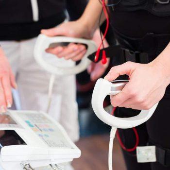profesjonalny sprzęt do ćwiczeń z EMS