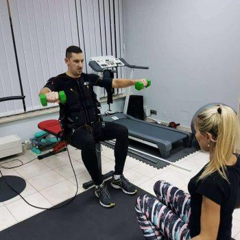 ćwiczenia EMS z instruktorką